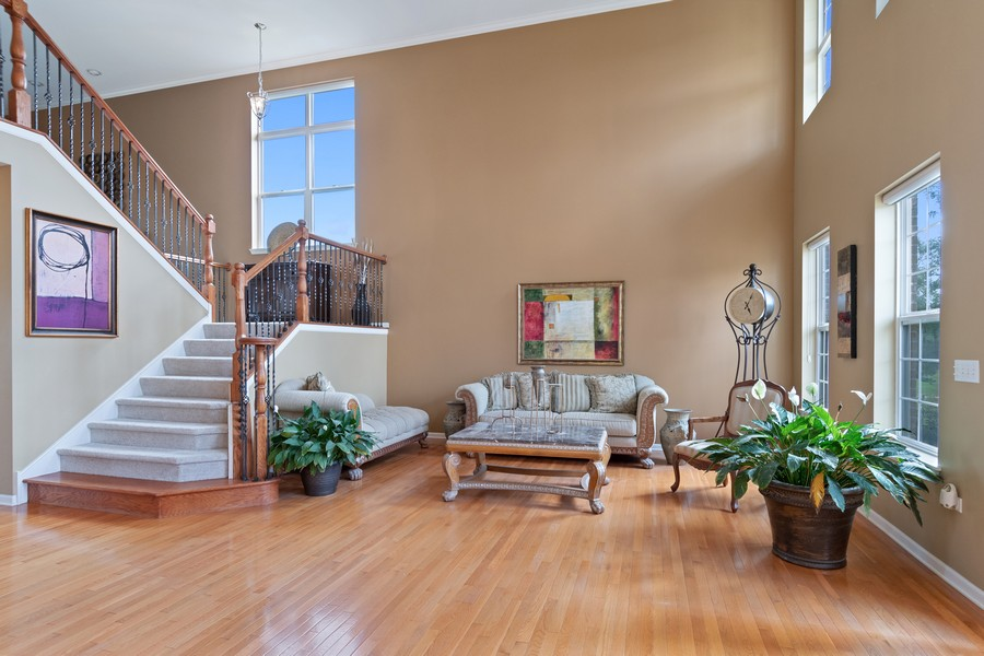Real Estate Photography - 1276 Twilight Way, Bolingbrook, IL, 60490 - Living Room