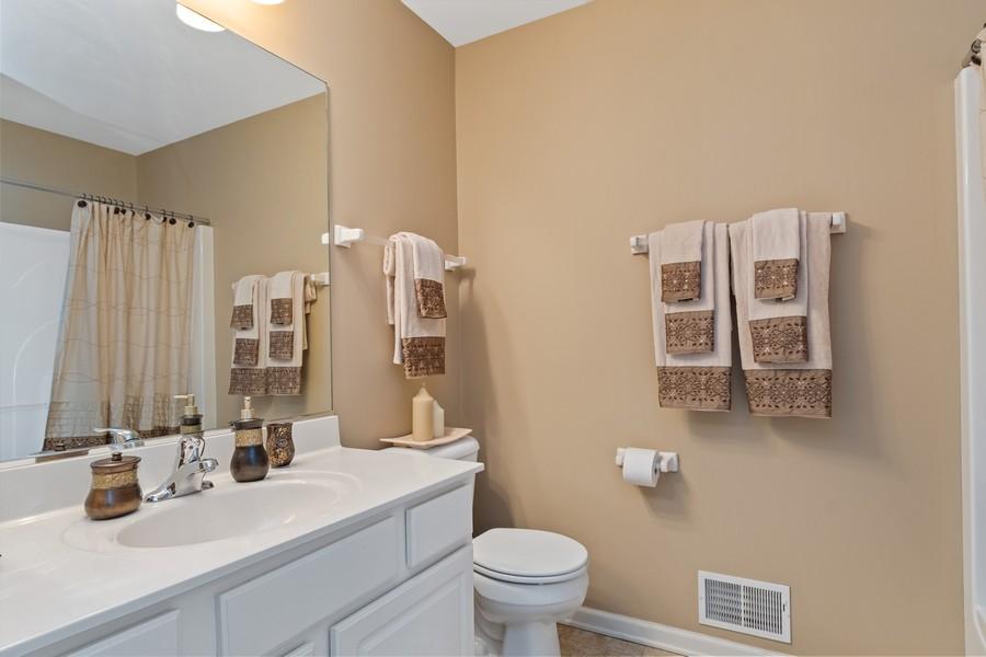 Real Estate Photography - 1276 Twilight Way, Bolingbrook, IL, 60490 - 3rd Bathroom