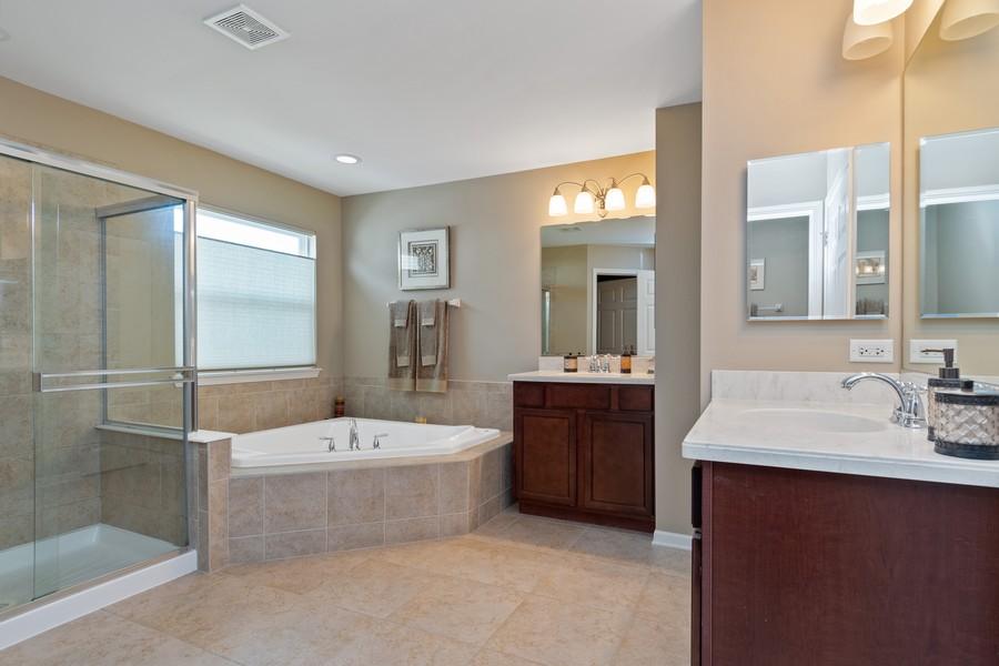 Real Estate Photography - 1276 Twilight Way, Bolingbrook, IL, 60490 - Master Bathroom