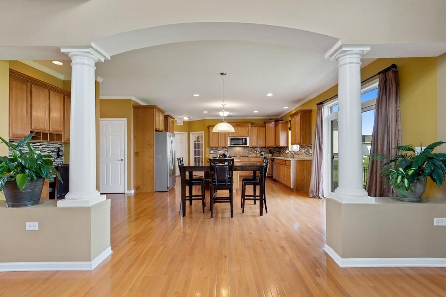 Real Estate Photography - 1276 Twilight Way, Bolingbrook, IL, 60490 - Kitchen / Breakfast Room