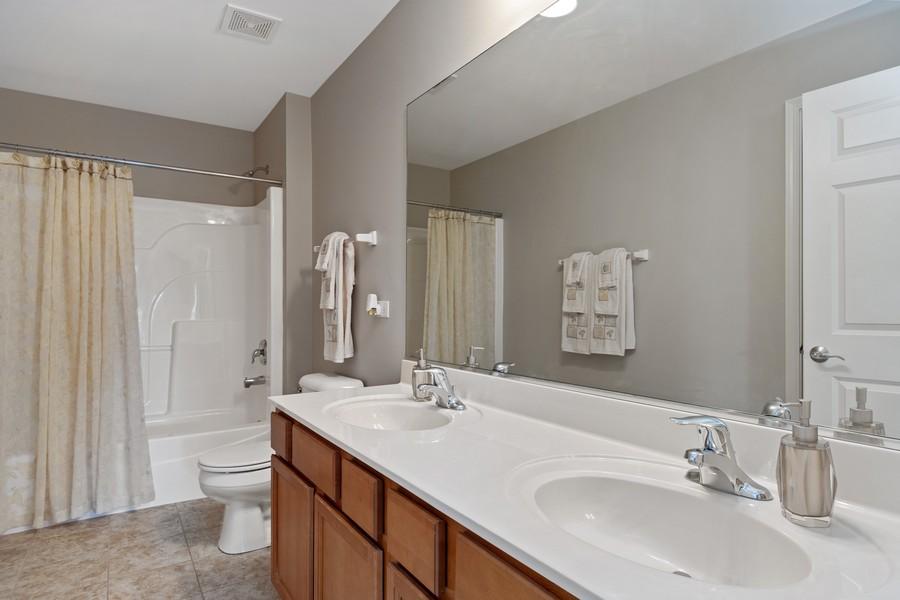 Real Estate Photography - 1276 Twilight Way, Bolingbrook, IL, 60490 - 2nd Bathroom