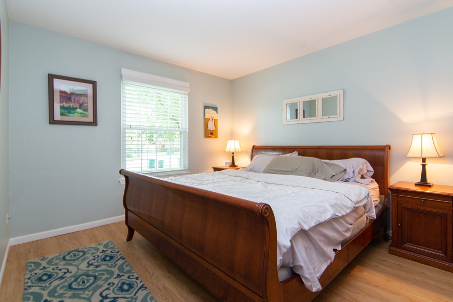 Real Estate Photography - 1181 Auburn Ln, 1181, Buffalo Grove, IL, 60089 - Master Bedroom