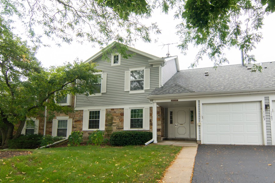 Real Estate Photography - 1181 Auburn Ln, 1181, Buffalo Grove, IL, 60089 - Front View