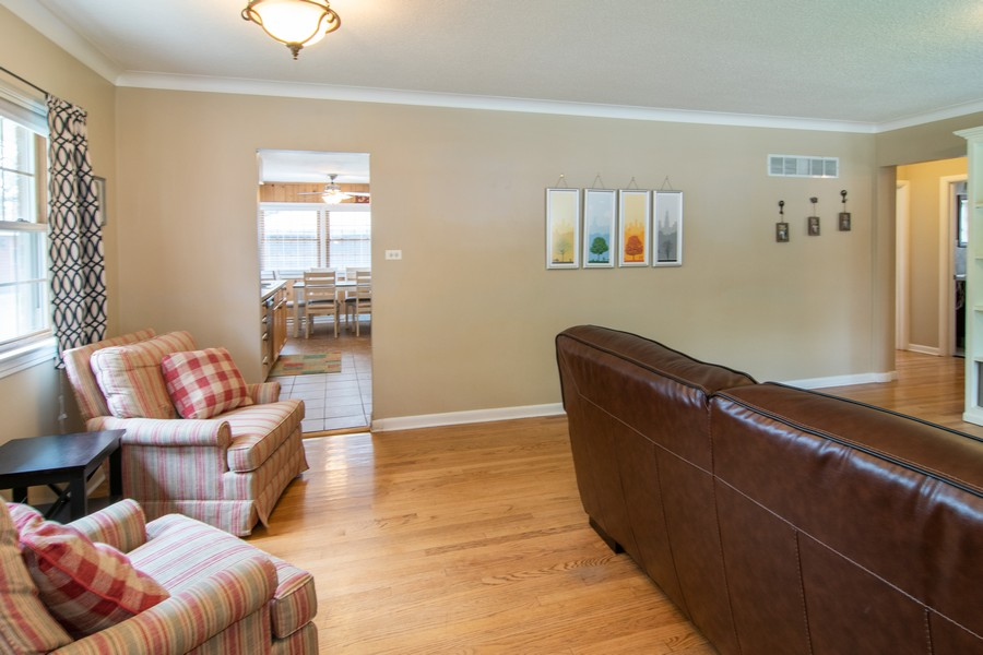 Real Estate Photography - 1434 Boeger Ave, Westchester, IL, 60154 - Dining Area or Bonus Seating Space