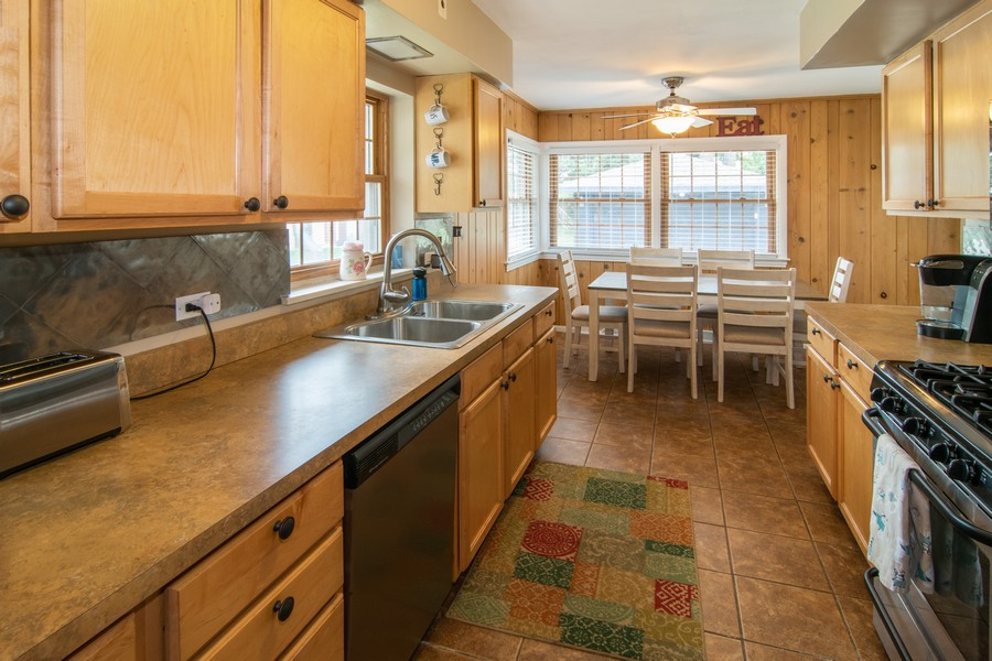 Real Estate Photography - 1434 Boeger Ave, Westchester, IL, 60154 - Kitchen