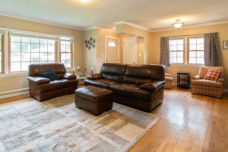 Real Estate Photography - 1434 Boeger Ave, Westchester, IL, 60154 - Living Room