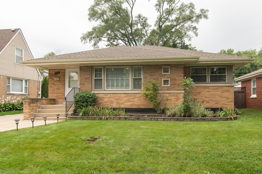 Real Estate Photography - 1434 Boeger Ave, Westchester, IL, 60154 - Welcome to 1434 Boeger Avenue, Westchester!