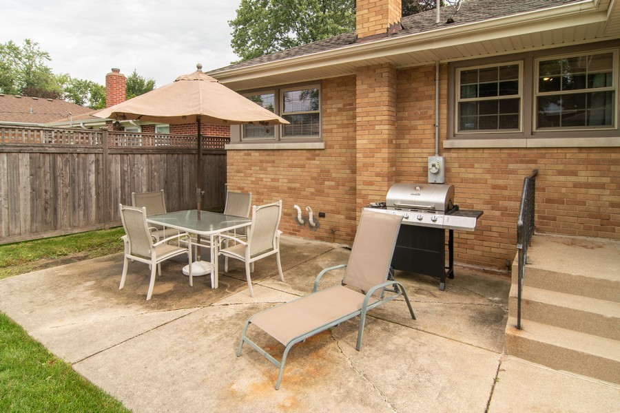 Real Estate Photography - 1434 Boeger Ave, Westchester, IL, 60154 - Back Yard Patio