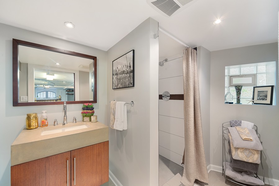 Real Estate Photography - 5328 West Pensacola Ave, Chicago, IL, 60641 - Bathroom
