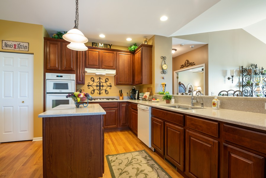 Real Estate Photography - 2781 Harnish Dr, Algonquin, IL, 60102 - Kitchen