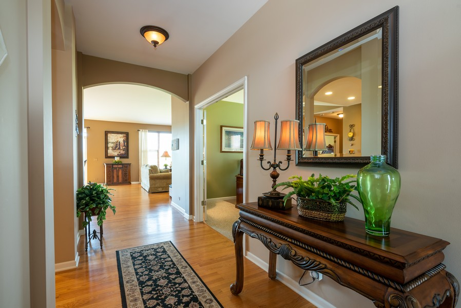 Real Estate Photography - 2781 Harnish Dr, Algonquin, IL, 60102 - Foyer
