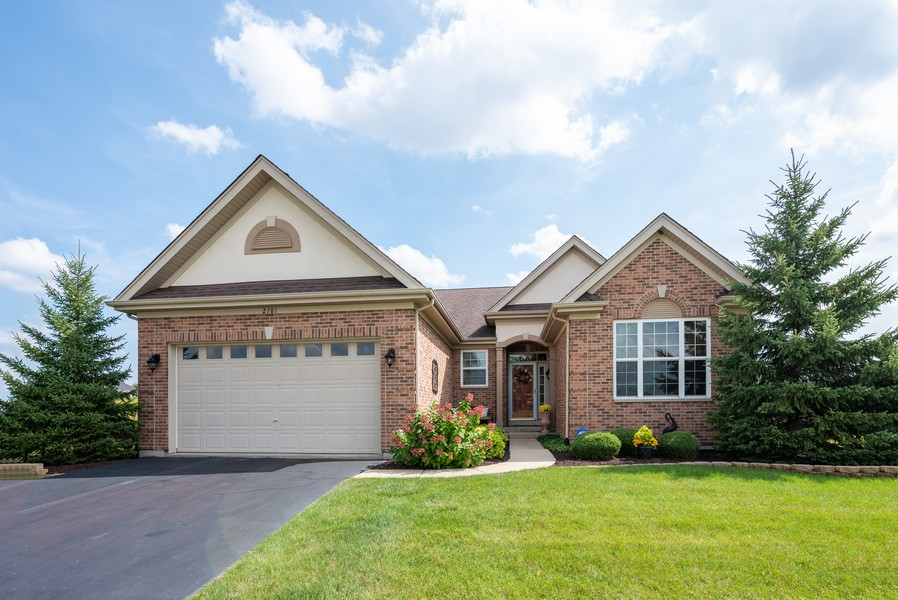 Real Estate Photography - 2781 Harnish Dr, Algonquin, IL, 60102 - Front View