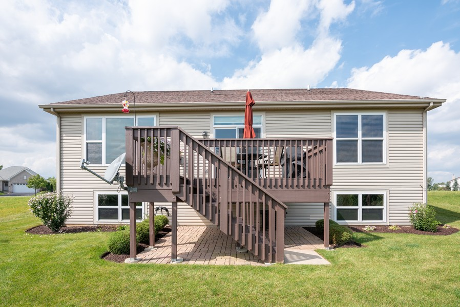 Real Estate Photography - 2781 Harnish Dr, Algonquin, IL, 60102 - Rear View