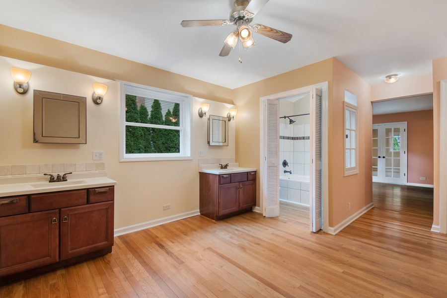 Real Estate Photography - 1228 Suffolk St, Naperville, IL, 60563 - Master Bathroom