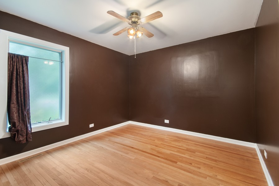 Real Estate Photography - 1228 Suffolk St, Naperville, IL, 60563 - 2nd Bedroom