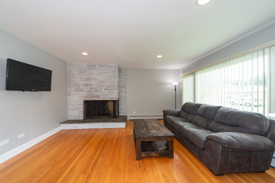 Real Estate Photography - 1650 Downing Ave, Westchester, IL, 60154 - Living Room