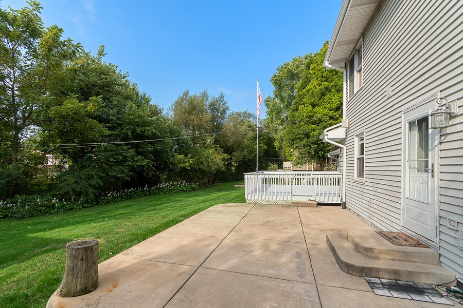 Real Estate Photography - 318 Ohio Rd, Frankfort, IL, 60423 - Patio