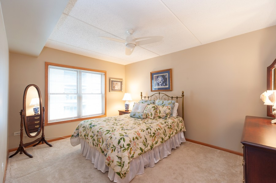 Real Estate Photography - 200 West Campbell St, 609, Arlington Heights, IL, 60005 - 2nd Bedroom