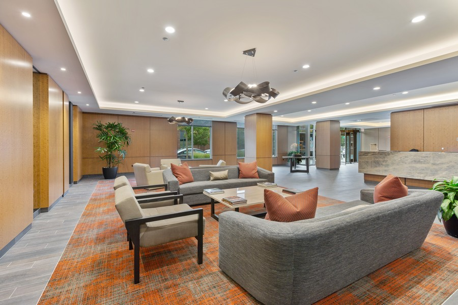 Real Estate Photography - 540 West Webster Ave, 307, Chicago, IL, 60614 - Lobby