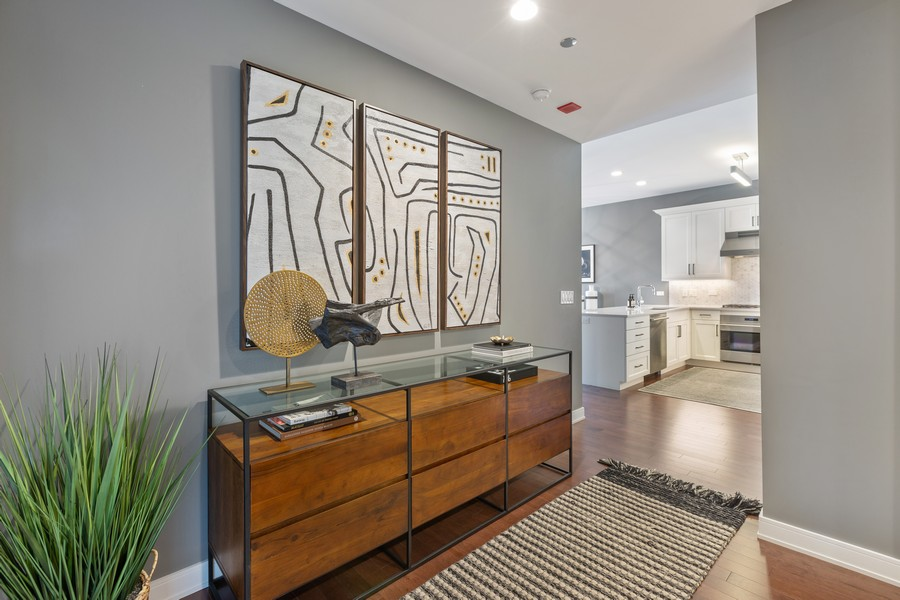 Real Estate Photography - 540 West Webster Ave, 307, Chicago, IL, 60614 - Foyer