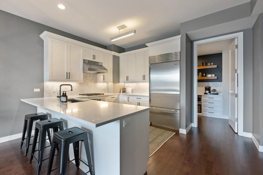 Real Estate Photography - 540 West Webster Ave, 307, Chicago, IL, 60614 - Kitchen
