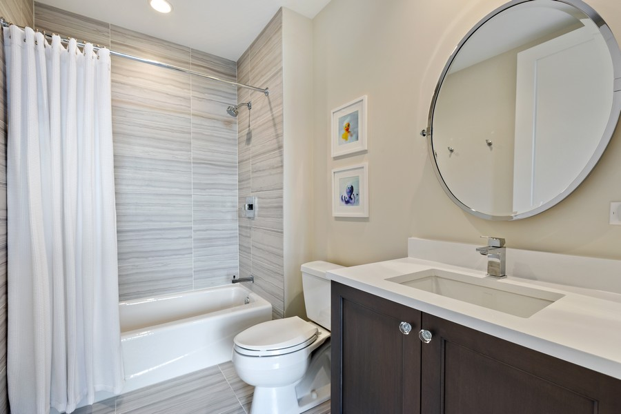 Real Estate Photography - 540 West Webster Ave, 307, Chicago, IL, 60614 - Bathroom