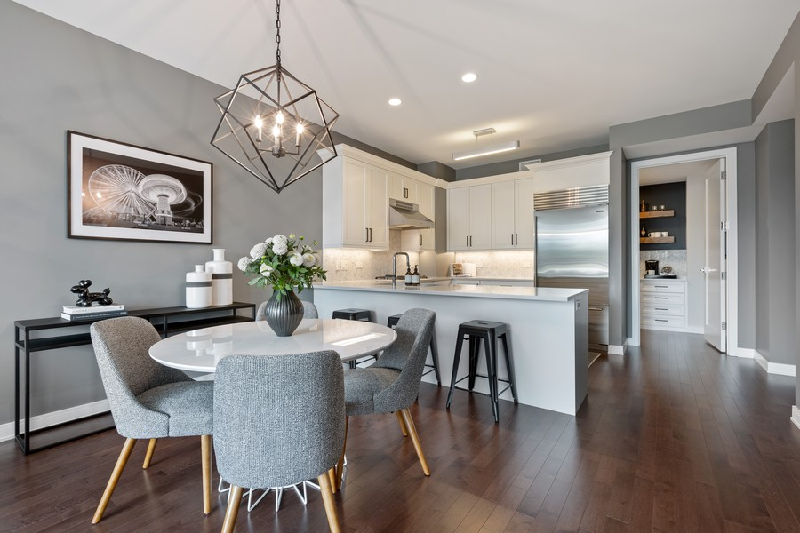 Real Estate Photography - 540 West Webster Ave, 307, Chicago, IL, 60614 - Kitchen / Dining Room