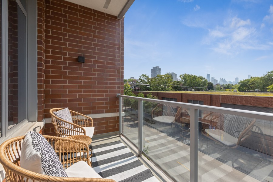 Real Estate Photography - 540 West Webster Ave, 307, Chicago, IL, 60614 - Balcony