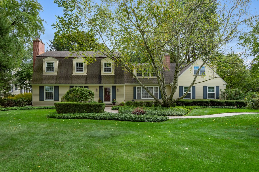 Real Estate Photography - 455 West Sunset Rd, Barrington, IL, 60010 - Front View