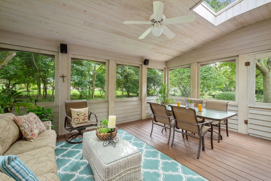 Real Estate Photography - 455 West Sunset Rd, Barrington, IL, 60010 - Sun Room