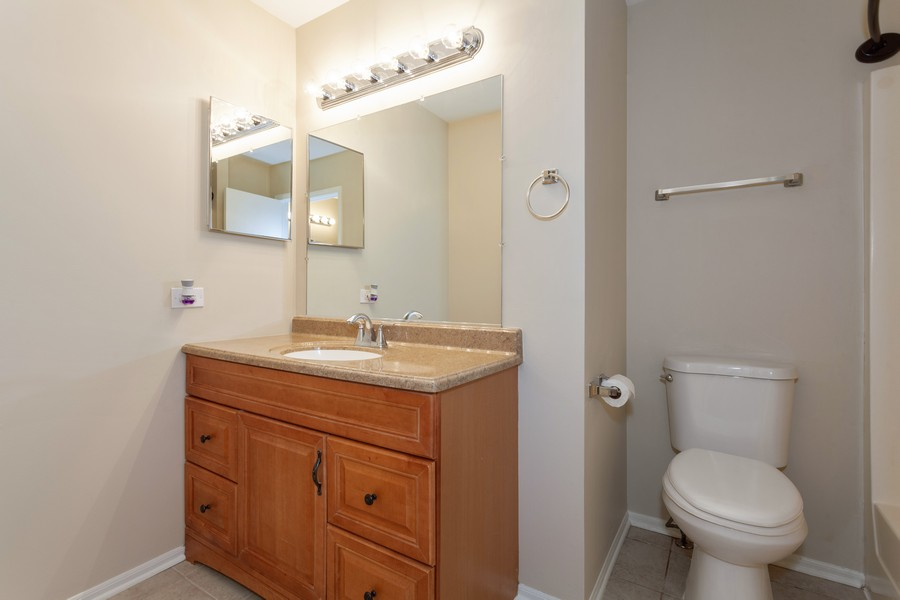 Real Estate Photography - 2990 West Middlebury Ct, Aurora, IL, 60504 - Master Bathroom