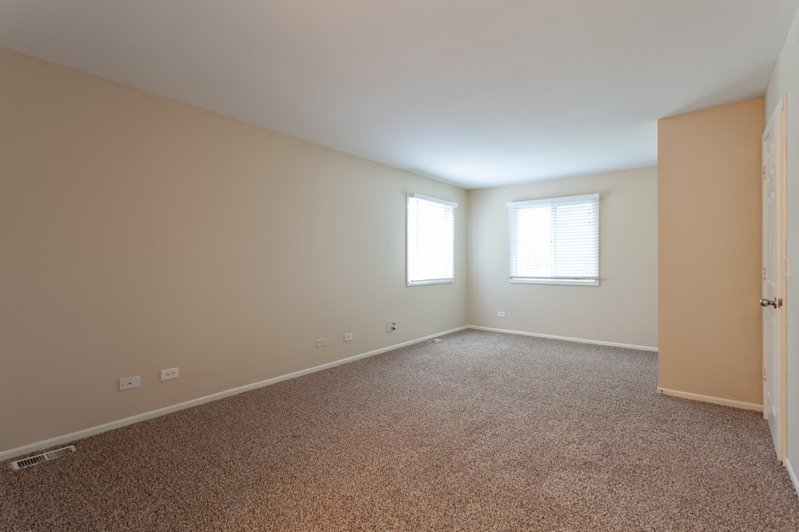 Real Estate Photography - 2990 West Middlebury Ct, Aurora, IL, 60504 - Master Bedroom