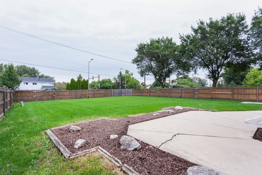 Real Estate Photography - 2990 West Middlebury Ct, Aurora, IL, 60504 - Back Yard