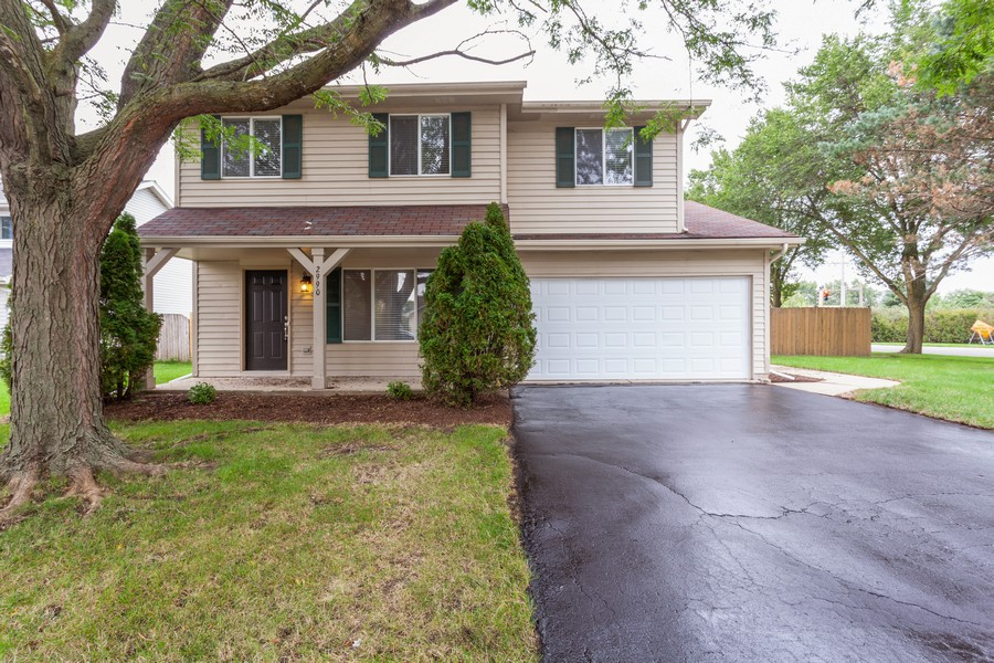 Real Estate Photography - 2990 West Middlebury Ct, Aurora, IL, 60504 - Front View