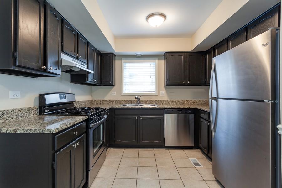 Real Estate Photography - 1733 Cumberland Rd, Aurora, IL, 60504 - Kitchen