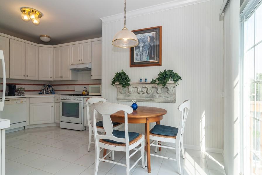 Real Estate Photography - 608 Declaration Ln, Aurora, IL, 60502 - Breakfast Nook