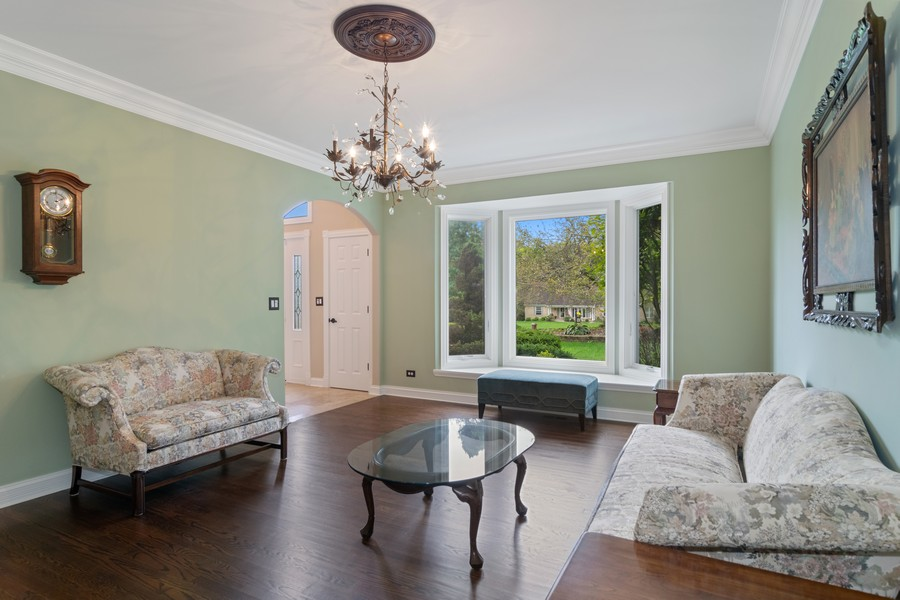 Real Estate Photography - 29W554 Sunset Ridge Dr, Bartlett, IL, 60103 - Living Room