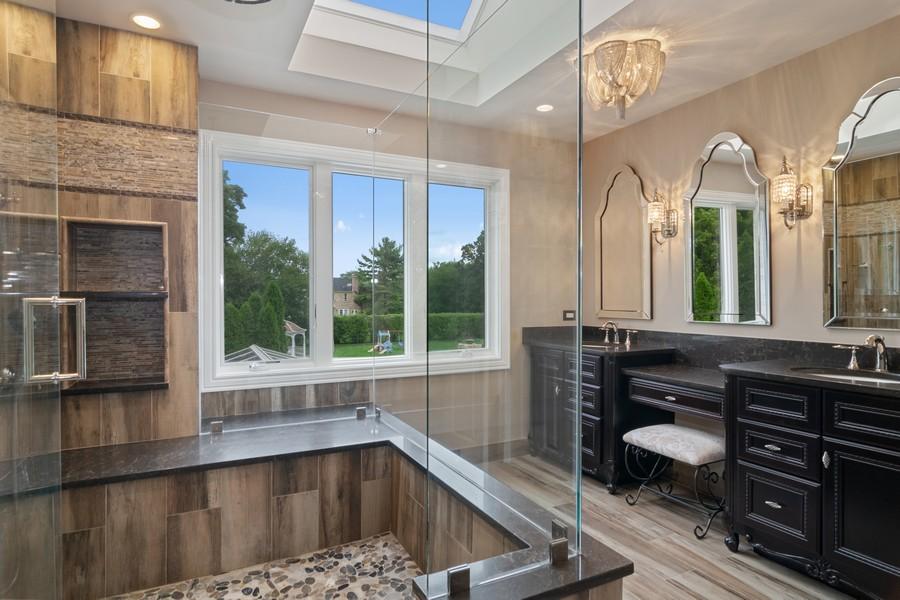 Real Estate Photography - 29W554 Sunset Ridge Dr, Bartlett, IL, 60103 - Master Bathroom