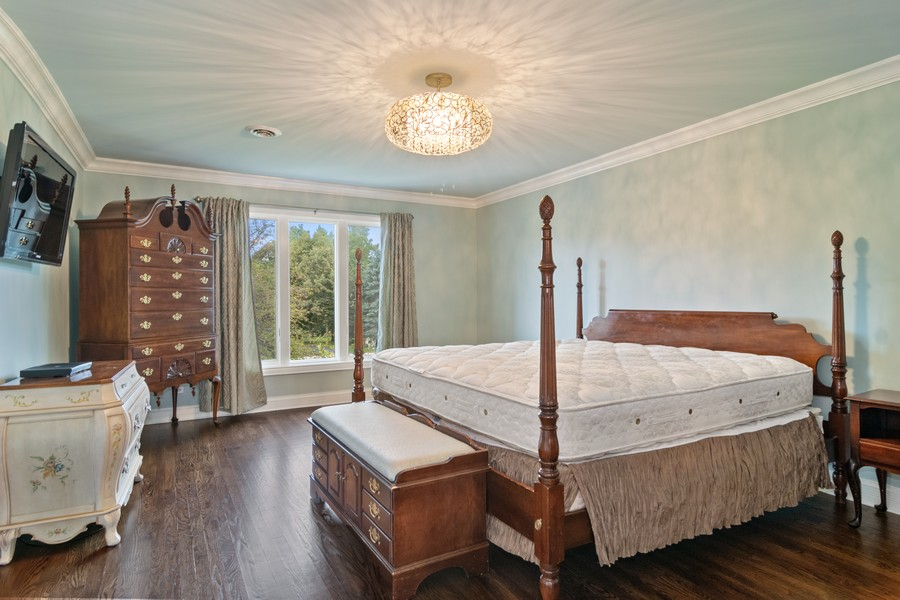 Real Estate Photography - 29W554 Sunset Ridge Dr, Bartlett, IL, 60103 - Master Bedroom