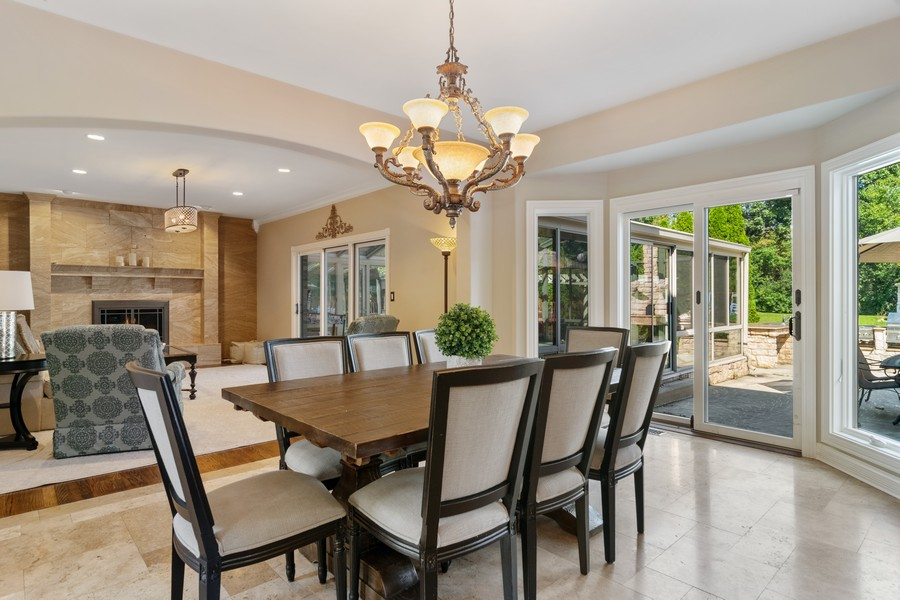 Real Estate Photography - 29W554 Sunset Ridge Dr, Bartlett, IL, 60103 - Eating Area