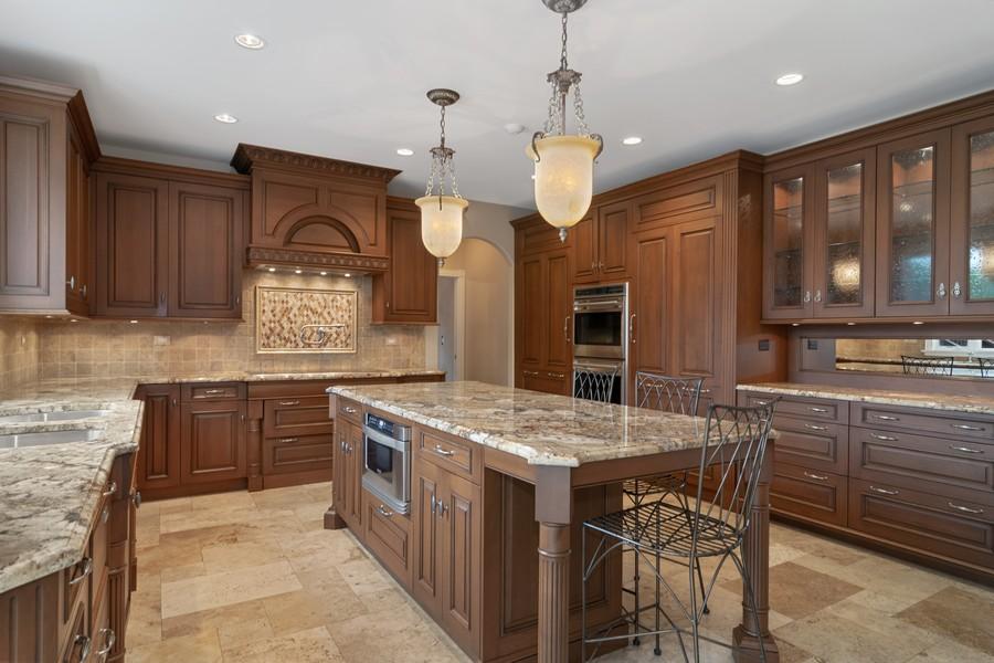 Real Estate Photography - 29W554 Sunset Ridge Dr, Bartlett, IL, 60103 - Kitchen