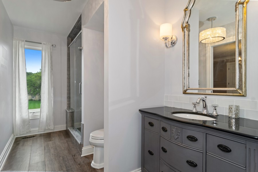 Real Estate Photography - 29W554 Sunset Ridge Dr, Bartlett, IL, 60103 - Bathroom