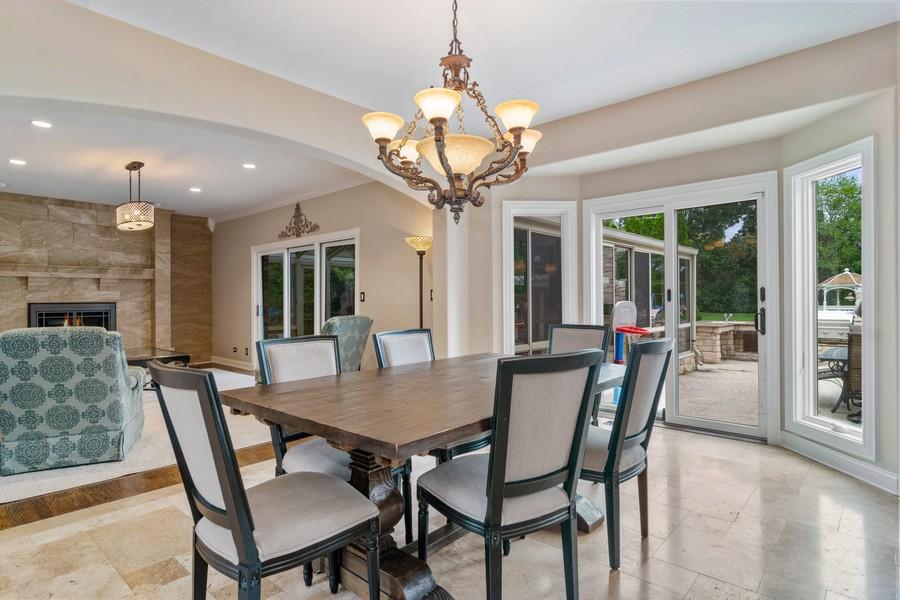 Real Estate Photography - 29W554 Sunset Ridge Dr, Bartlett, IL, 60103 - Breakfast Nook