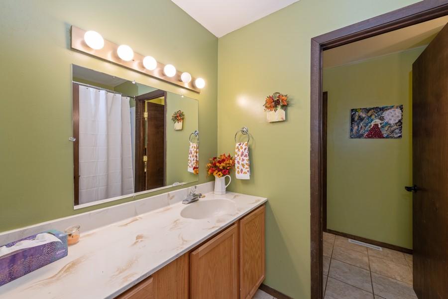 Real Estate Photography - 2406 Rose Tree Ln, Lindenhurst, IL, 60046 - Master Bathroom
