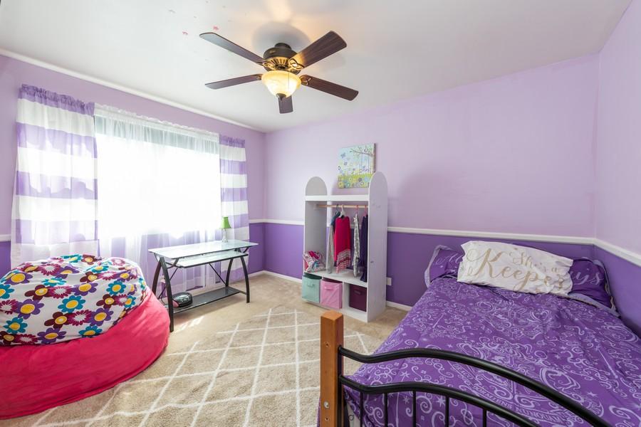 Real Estate Photography - 2406 Rose Tree Ln, Lindenhurst, IL, 60046 - 2nd Bedroom