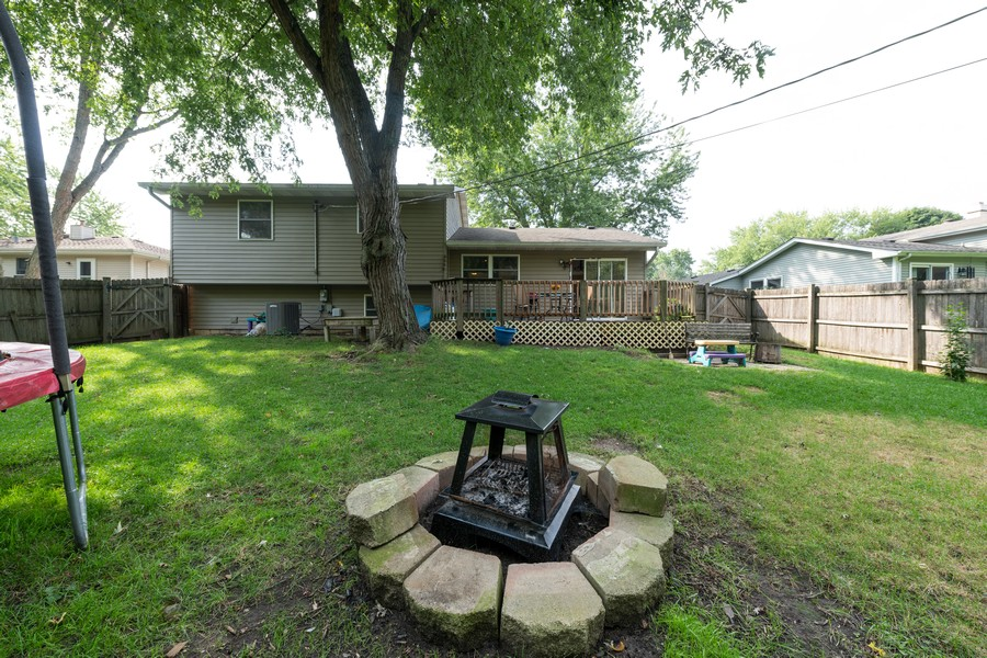 Real Estate Photography - 2406 Rose Tree Ln, Lindenhurst, IL, 60046 - Rear View