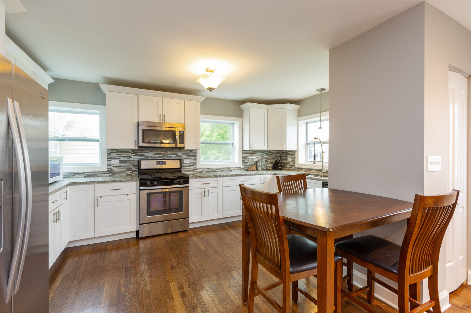 Real Estate Photography - 4919 S Lotus Avenue, Chicago, IL, 60804 - Kitchen/Dining