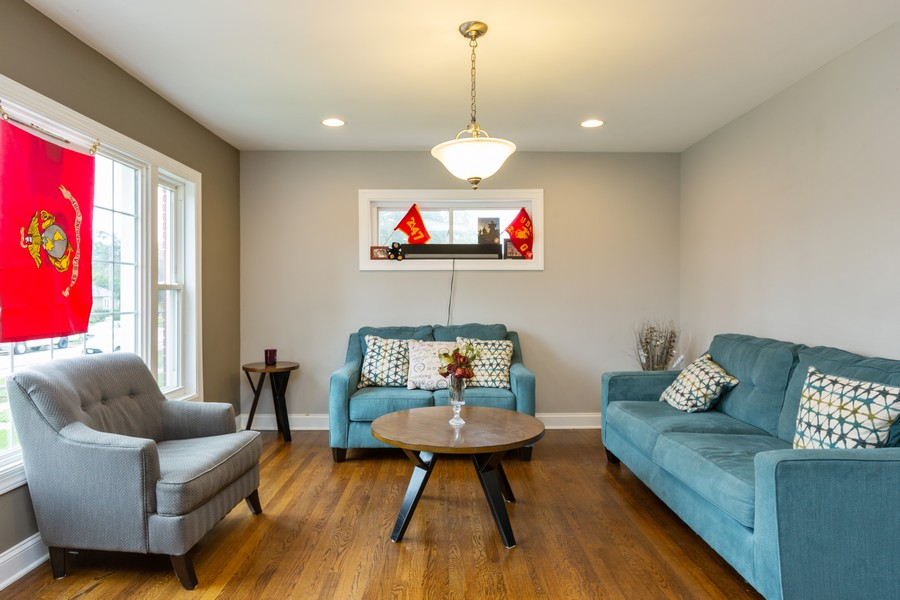 Real Estate Photography - 4919 S Lotus Avenue, Chicago, IL, 60804 - Living Room