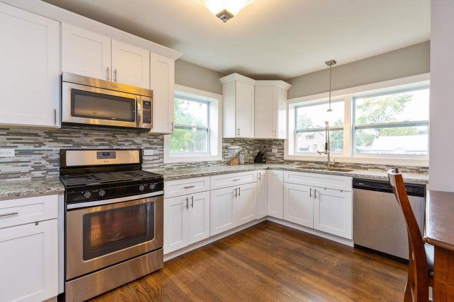 Real Estate Photography - 4919 S Lotus Avenue, Chicago, IL, 60804 - Kitchen