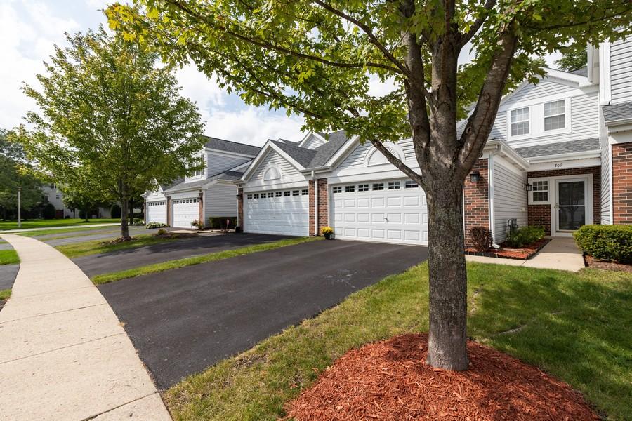 Real Estate Photography - 709 Baxter Ct, Lake Villa, IL, 60046 - Front View
